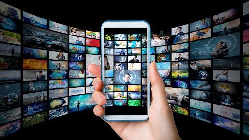 【iPhone・Android別に解説】スマホでテレビを見る方法!