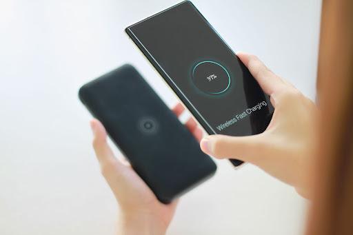 スマートフォンのバッテリーを長持ちさせる方法とは